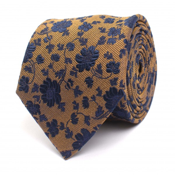 Silk Tie With Flower Design