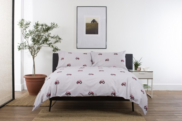 Deyongs Red Tractor Duvet Cover Set